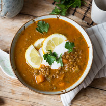 Linsen-Quinoa-Suppe mit Curry_featured