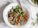 Rucola-Salat mit Kichererbsen und Wildlachs