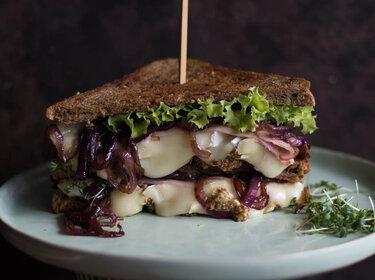 Sandwich mit Brie, Schinken und Senf © S-Küche