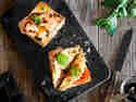 Tomaten-Mozzarella-Toast
