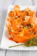 Möhren-Haselnuss-Salat © Feed me up before you go-go