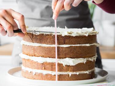 So Bereitest Du Eine Naked Cake Hochzeitstorte Zu