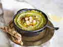 Würziges Hummus mit Bärlauch