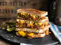 Sloppy Joe – Gegrilltes Sandwich mit Hack & Cheddar