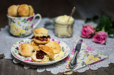 Mini Scones mit Clotted Cream © CookingCatrin