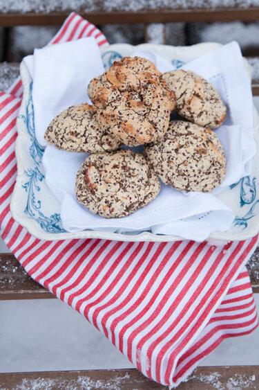Quinoa-Brötchen mit Datteln © Foodtastic