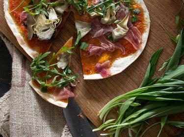 Sauerteigpizza mit Bärlauch © Hattgekocht
