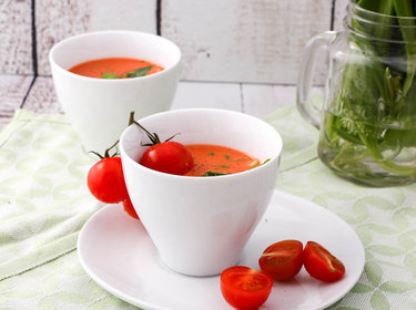 Tomaten-Bärlauch-Suppe © Cook and bake with Andrea