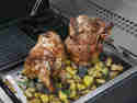 Knuspriges Beer Can Chicken mit Rosmarinkartoffeln