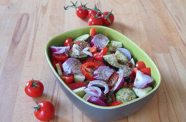 Ofengemüse mit Chili und Kräutern © Wallygusto