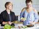 Knackige Salat-Wraps rollen im Doppelpack.
