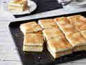 Blechkuchen mit Apfelmus und Mascarponecreme