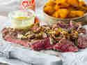 Steak mit Kürbis und Kräuter-Sauce