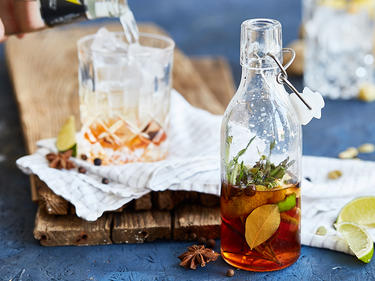 12 gin tonic varianten f r mehr abwechslung im glas. Black Bedroom Furniture Sets. Home Design Ideas