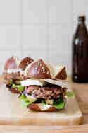 Burger mit Birne und Gorgonzola © Frisch verliebt