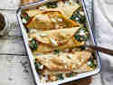 Ofen-Pfannkuchen mit Ricotta-Spinat-Füllung
