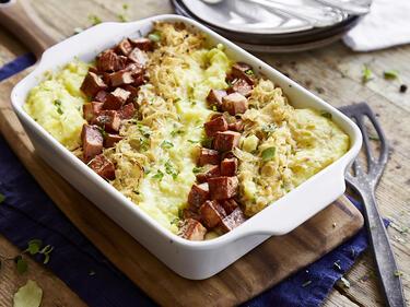 Sauerkraut-Auflauf mit Leberkäse und Kartoffelpüree
