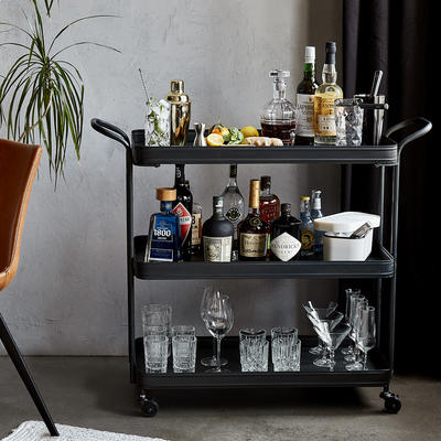 12 gin tonic varianten f r mehr abwechslung im glas. Black Bedroom Furniture Sets. Home Design Ideas