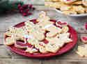 Weihnachtsplätzchen mit Zuckerglasur