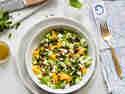 Gurken-Avocado-Salat mit Minze und Feta
