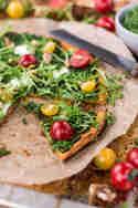 Süßkartoffelpizza mit Bärlauchpesto und Brunnenkresse © Foodistas