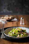 Lauwarmer Spargelsalat mit Cashewkernen © Janina Lechner | Kleines Kulinarium