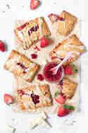 Pop Tarts mit Erdbeerkonfitüre © Nicest Things