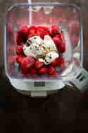 Gefrorenes Obst? Für Hanno kein Problem. © Arne Schmidt, Claudia Hirschberger | Food with a View
