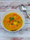 Indisches Kürbis-Kartoffel Curry mit Kokosmilch © Wallygusto