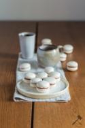Vanille-Macarons mit Schokoladenfüllung © Law of Baking