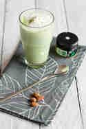 Matcha-Mandel-Latte © Sabrina Kiefer & Steffen Jost | Feed me up before you go-go