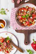 Kichererbsensalat mit Grillpaprika und Kabanos © Nicest Things