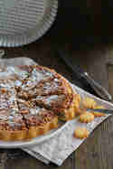 Tarte mit Pinienkernen und Haselnüssen © Münchner Küche