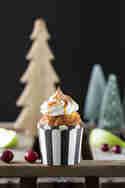 Apfel-Cupcakes mit Baiser und Karamell-Sauce © Anne Klein | Frisch verliebt