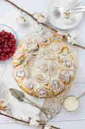 Warme Eierlikörschnecken mit heißen Kirschen © Jasmin Krause | Küchendeern