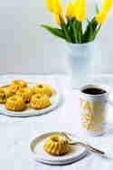 Mini Eierlikör-Gugelhupfe mit Amarenakirschen © Lars Spickers | Colors of Food