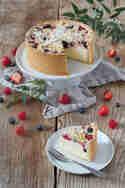 Topfentorte mit Beeren © Verena Pelikan | Sweets & Lifestyle