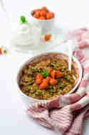 Erdbeer-Pistazien-Crumble © Foodistas