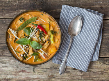 Thai Küche Rezepte | Schmeckt Nach Urlaub Rotes Thai Curry Mit Hahnchen