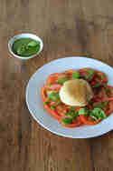 Gebratener Mozzarella mit Tomaten und Pesto © Michaela Harfst | Transglobal Pan Party