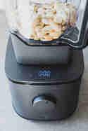 Mandeln mahlen im Mixer Hanno © Eat Vegan