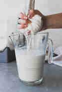 Mandelmilch selber machen © Eat Vegan