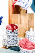 Mango-Himbeer-Joghurt-Eis © Sylvis Lifestyle