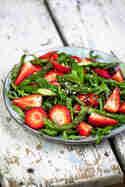 Spargel-Erdbeer-Salat © Joana Sonnhoff | Foodreich