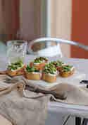 Spargel-Crostini mit Ziegenfrischkäse © Ines Karlin | Münchner Küche