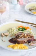 Kalbsrollbraten mit Möhren und Spätzle © Foodistas