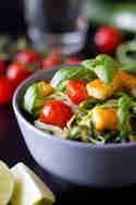 Zucchini-Spaghetti mit Tomaten und Halloumi © Anne Klein | Frisch verliebt