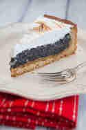 Mohn-Marzipan-Kuchen mit Baiserhaube © Sabrina Kiefer und Steffen Jost | Feed me up before you go go