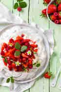 Erdbeer-Pavlova © Vera Wohlleben | Nicest Things