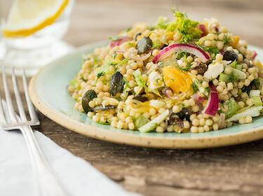 Israelischer Couscous-Salat